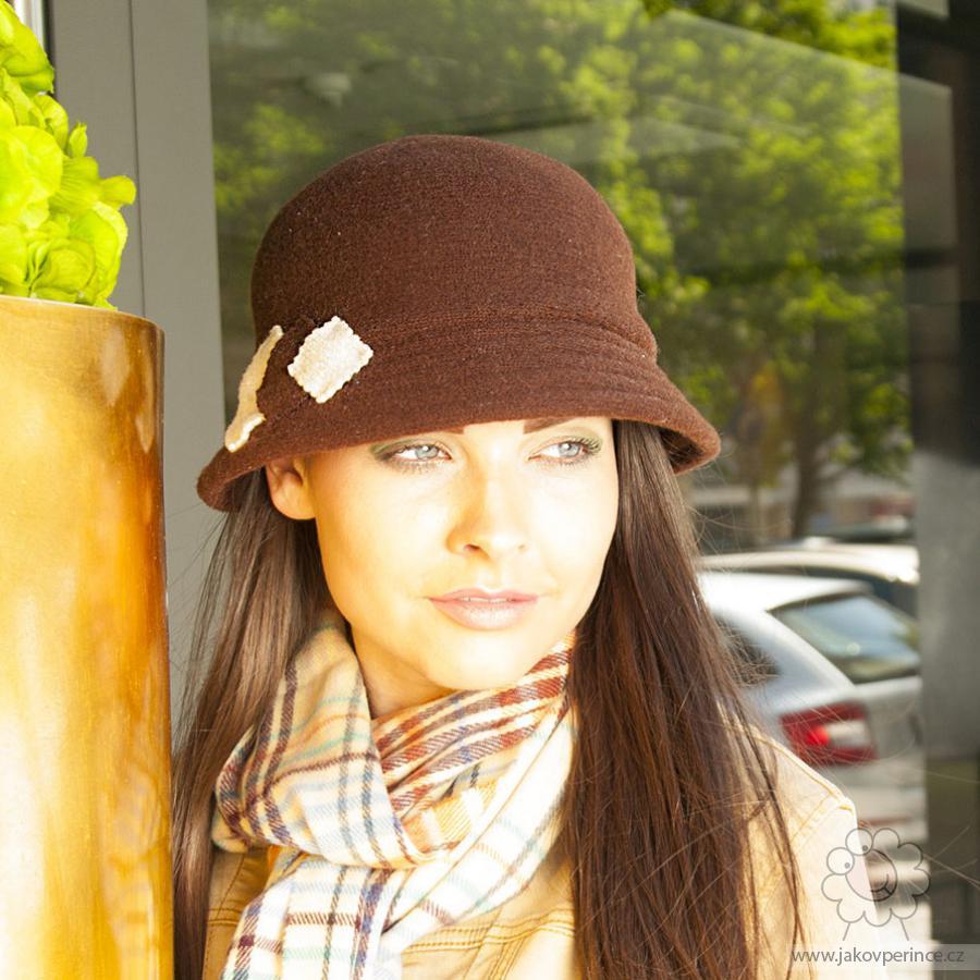 640d7c258e3 Dámský vlněný klobouk Jako v peřince