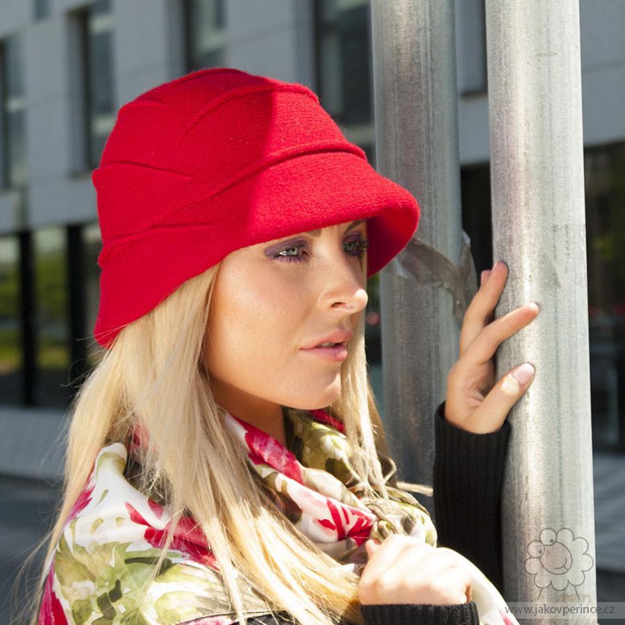 7ab6d2762db Dámský vlněný klobouk zdobený sámky Jako v peřince
